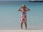 på stranden ved boracay - hvidt sant og turkis vand