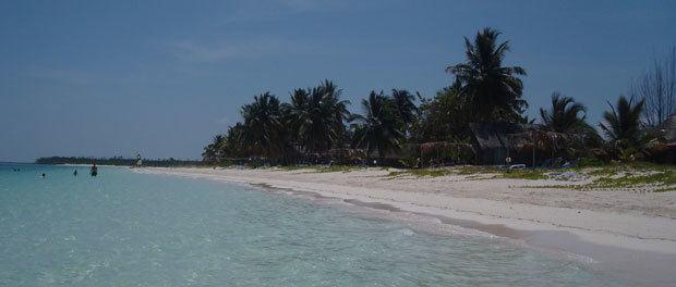 Vi rejser til Cuba og skal opleve deres fantastiske strande som vist på dette billede