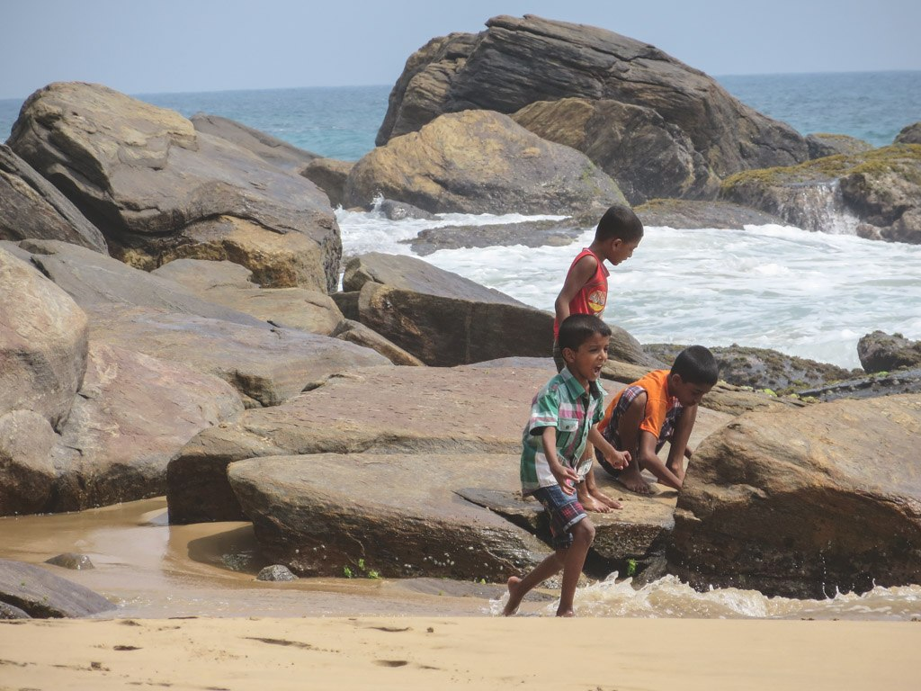 de lokale i goyambokka strand