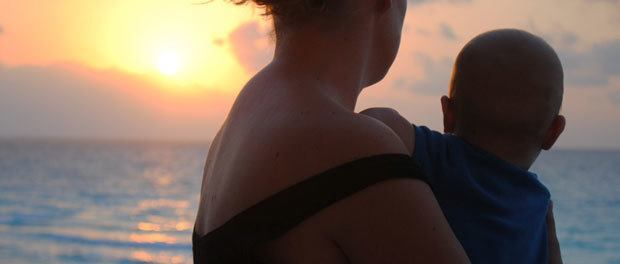 rejse til mexico med børn og se en smuk solnedgang