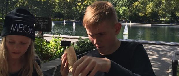 frokost med børn i central park, usa, new york