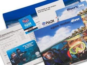 grundbog på dansk som er en god ide at læse inden børnene skal på dykkerkursus i udlandet