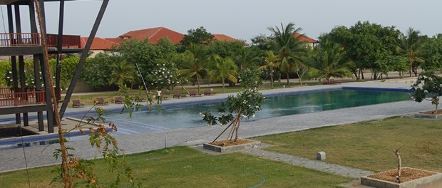 passikudah - poolen ved minngee resort