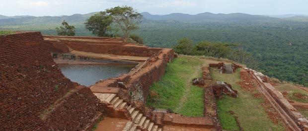 gammel kongepalads på toppen af sigirya klippen
