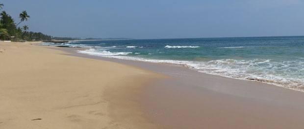 dejligt lang strand ved tangalle