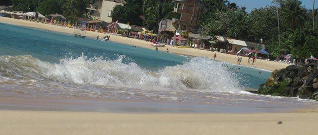 stranden ved unawatun er skøn og turistet
