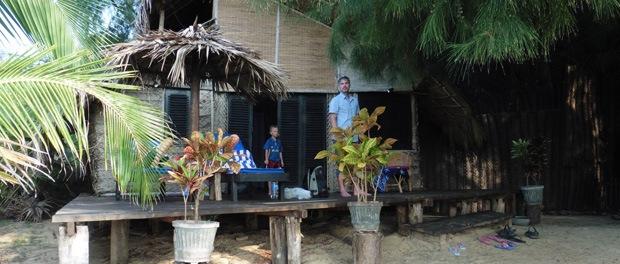 Lidt fra vores kokos-hytte i Kalpitiy