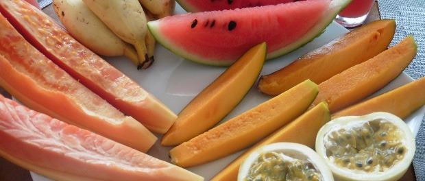 Morgenmad med vandmelon-juice på Riverbank Bentota Hotel
