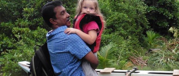 Starten på vores river-safari på lillesøsters fødselsdag med bl.a. vores chauffør, Deepal