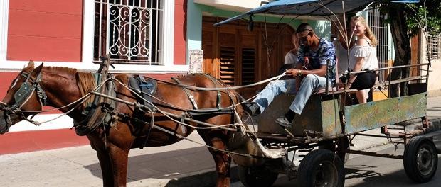 billigt at køre i hestevogn på cuba
