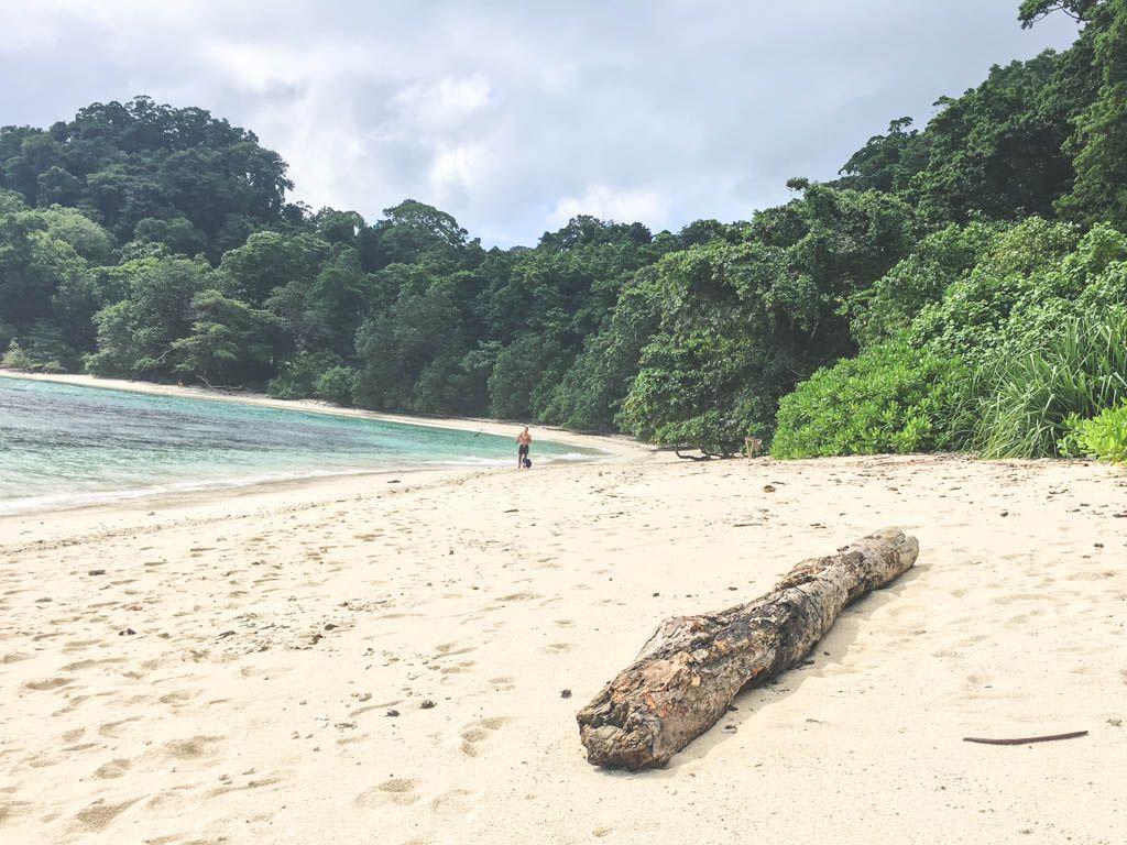 hygge ved radhanager strand på andamanerne