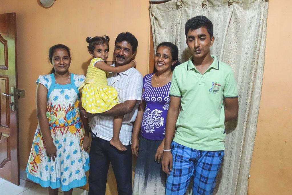 vi var hjemme hos vores chauffør deepal og hans familie