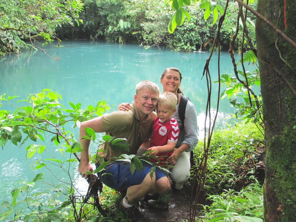 hygge med børnene i costa rica