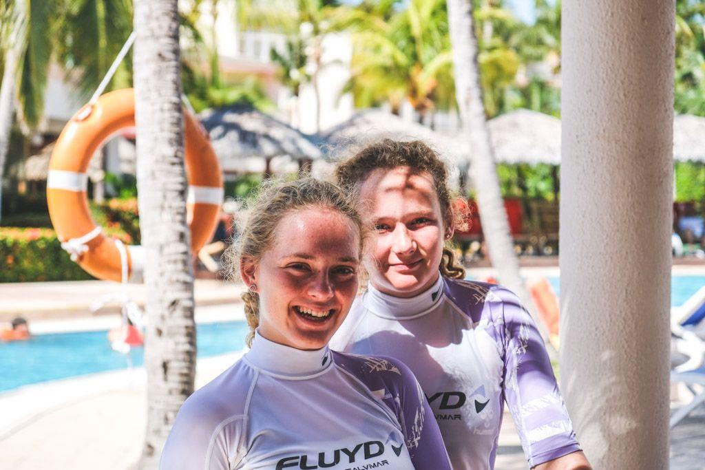 pigerne klar til dykning på cuba
