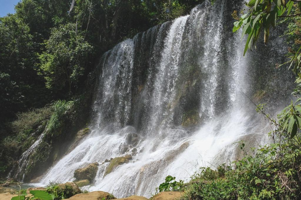 cienfuegos waterfall vandfald