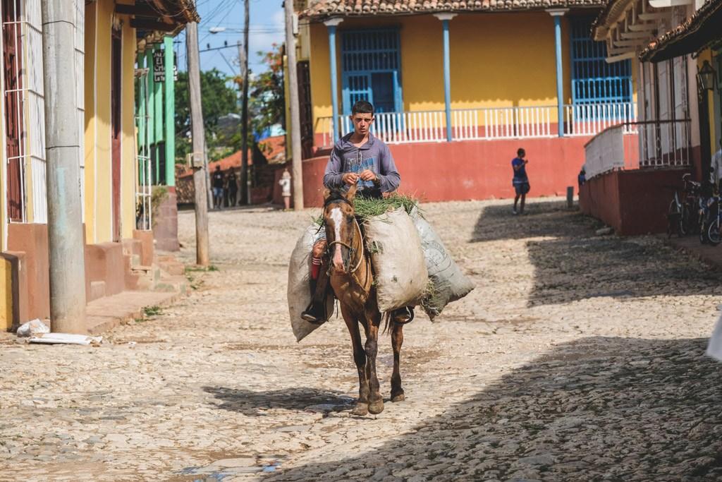 dreng der arbejde i den gamle by i trinidad