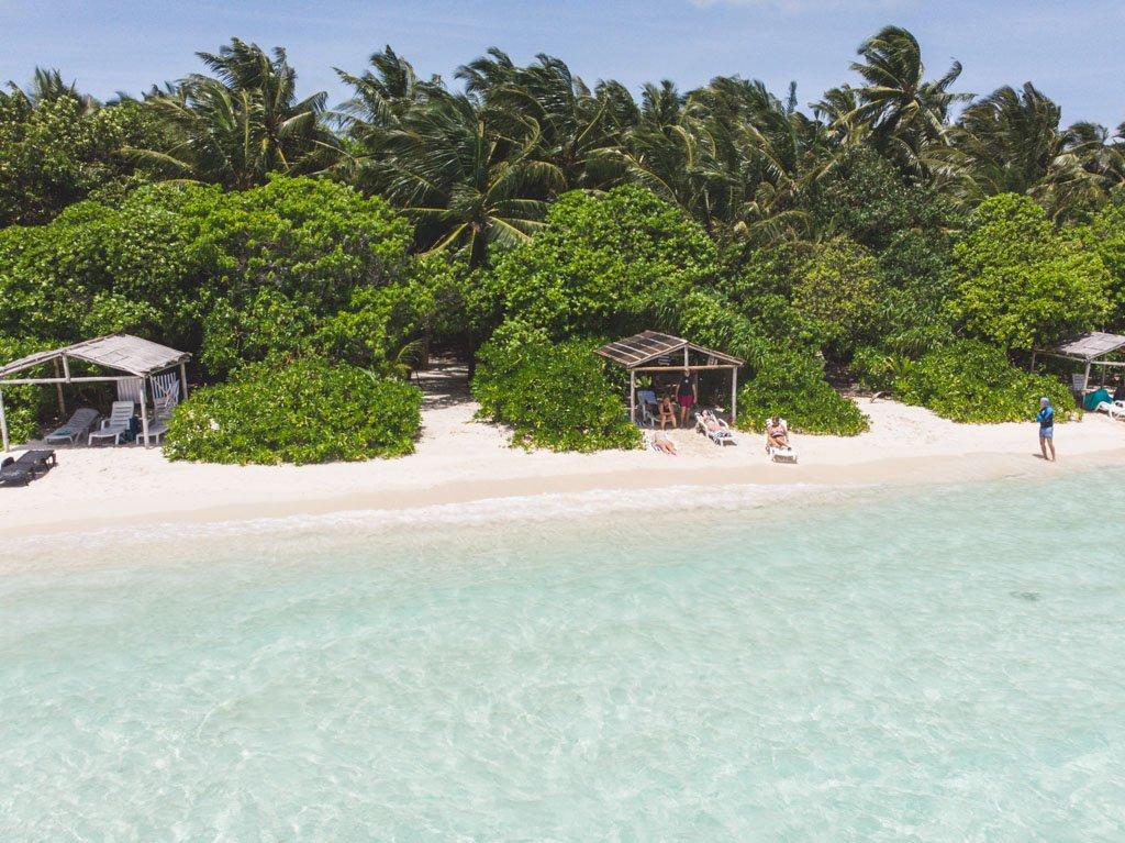 bambus hytter på thinadhoo bikini beach
