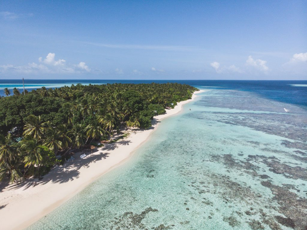 thinadhoo bikini beach