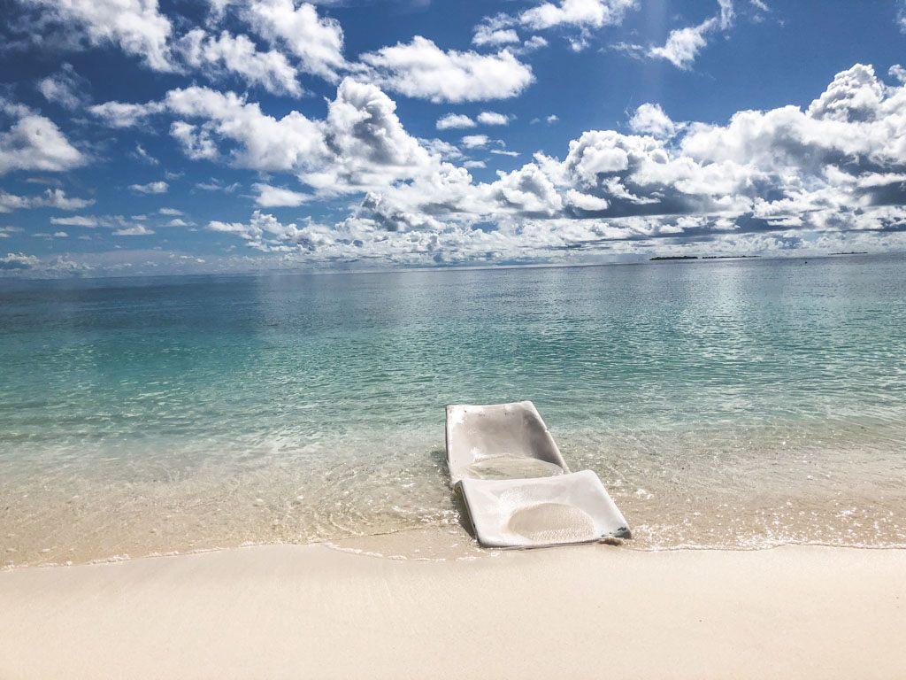 strandstol på bikinibeach på ukulhas