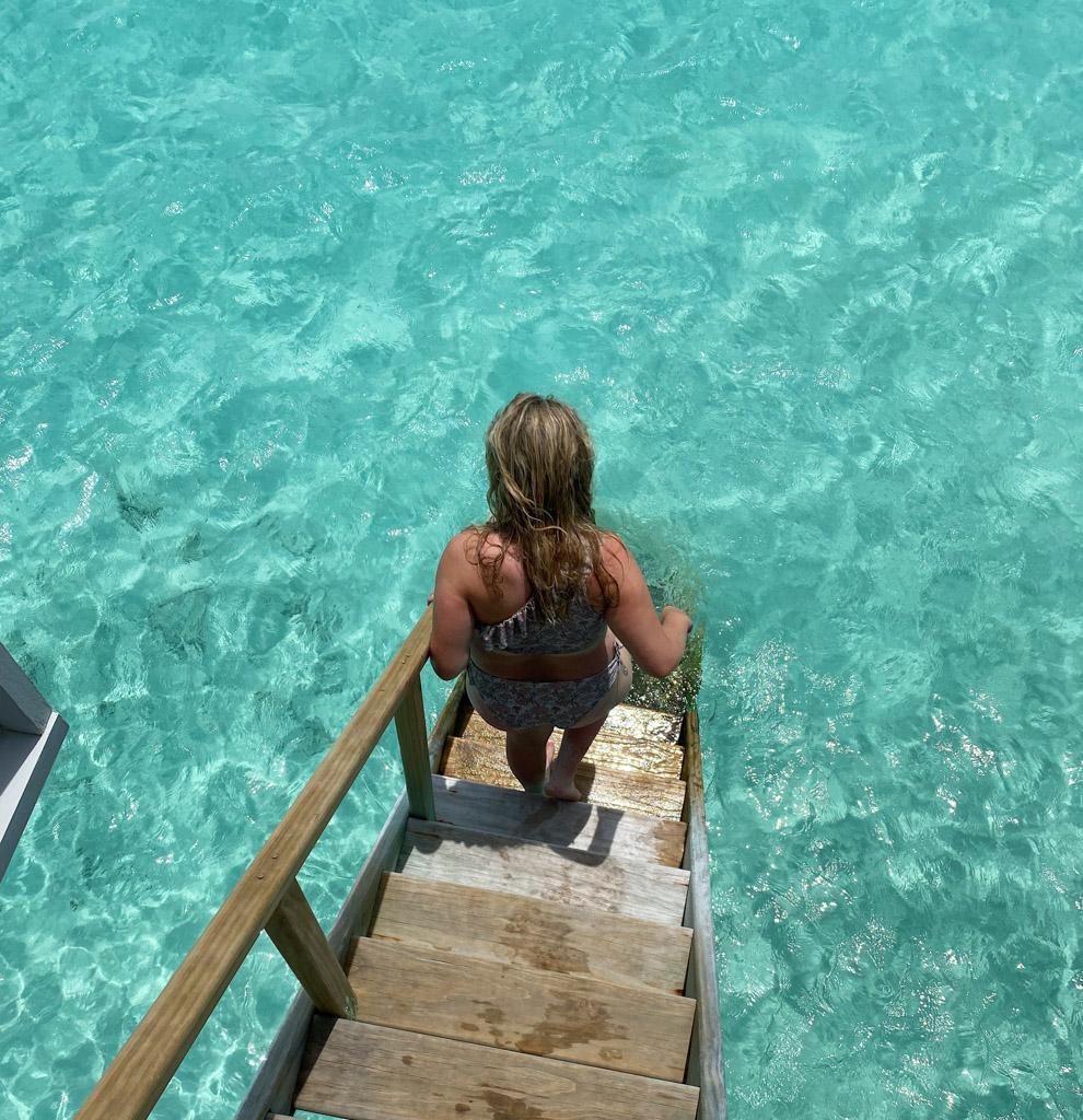Der er direkte adgang til havet og revet fra The Standard Maldives Ocean Villas